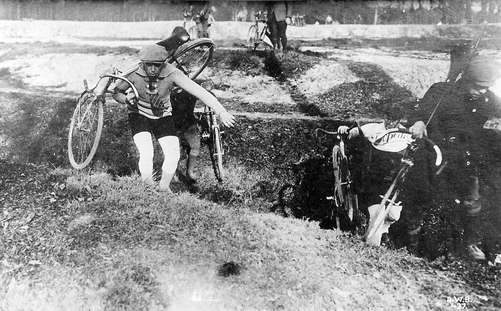 Cyclocross-in-the-1930s.jpg