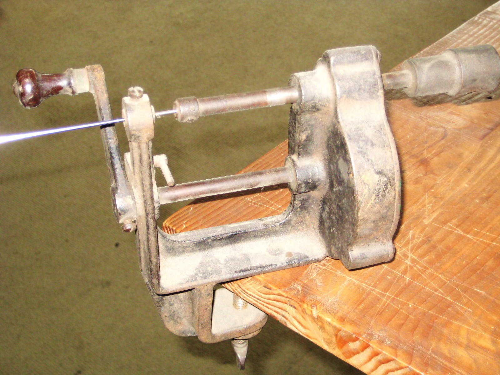 spoke threading machine
