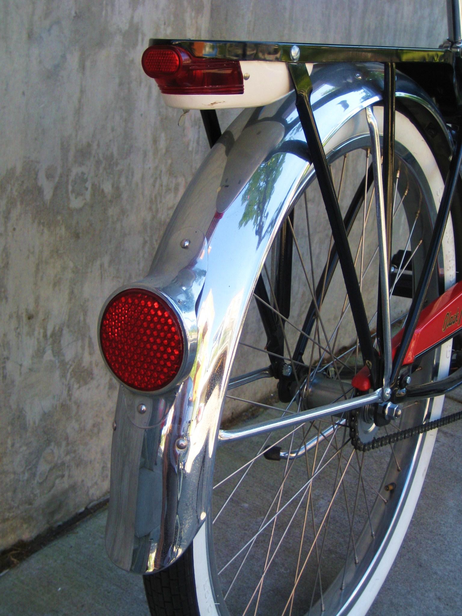 Vintage Schwinn Black Phantom Classic Cycle Bainbridge