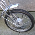 Small front wheel with a drum brake