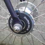 High-flange hubs slotted for aero spokes