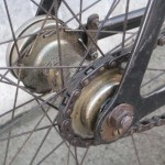 Eccentric dropouts to adjust chain tension