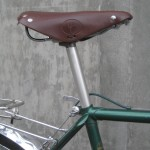 Leather touring saddle